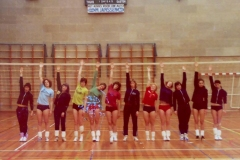 Teamfoto-dames-1975-Boxmeer-Trainingskamp-volleybal-dames-1975