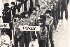 Teamfoto-dames-1987-openingsceremonie-EK-Volleybal-Belgie-1987