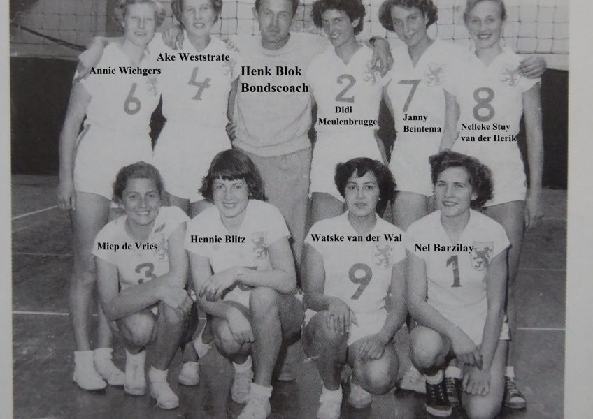 teamfoto-dames-1951-ek-frankrijk