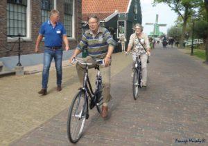 Volaren Op de fiets naar de sporthal