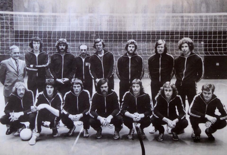 Teamfoto Nederlands volleybalteam heren 1975